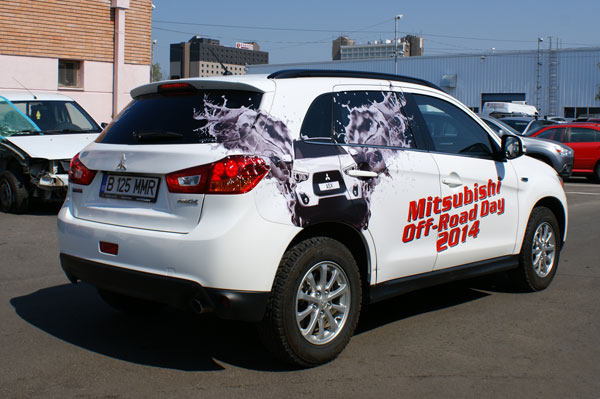 SUV Mitsubishi Off-Road Day